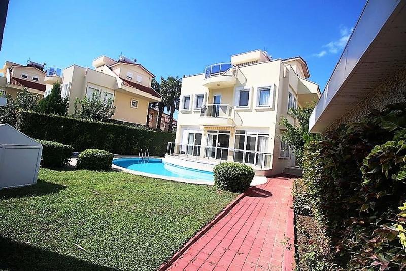 Schöne Villa in Kumköy nahe dem Strand zum besten Preis in der Anlage