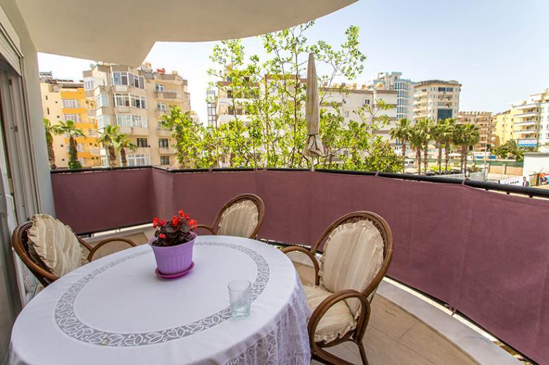 Gepflegte 3 Zimmer Wohnung in Alanya Tosmur - Top Preis - 80 m zum Meer!