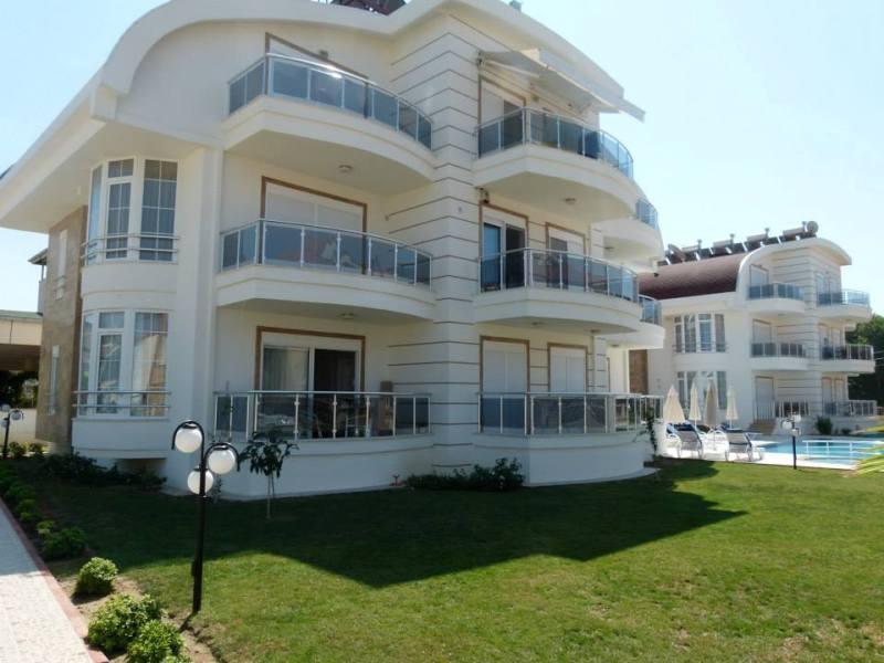 Strandnahe Maisonetten Wohnung in familärer Anlage