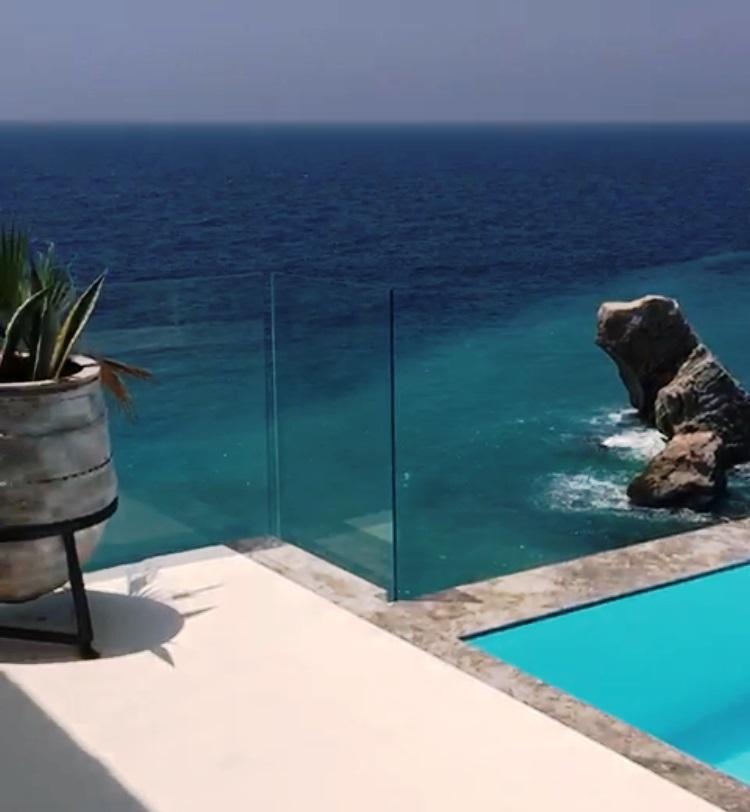 Einzigartige Strandvilla - Purer Luxus einmalig in der Region von Alanya mit eigenem Strand !!!